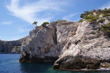 Kayak dans les calanques de Marseille